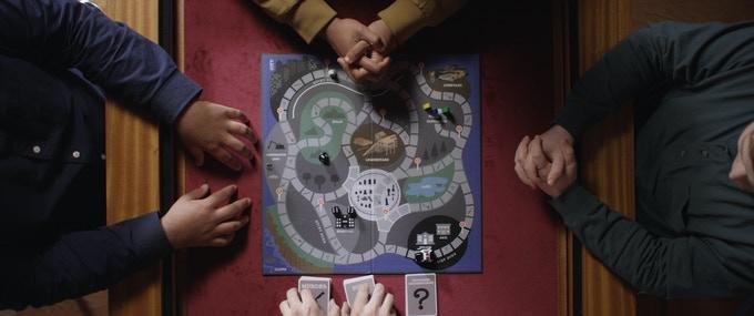Scena del film Bury Win Il tabellone del gioco